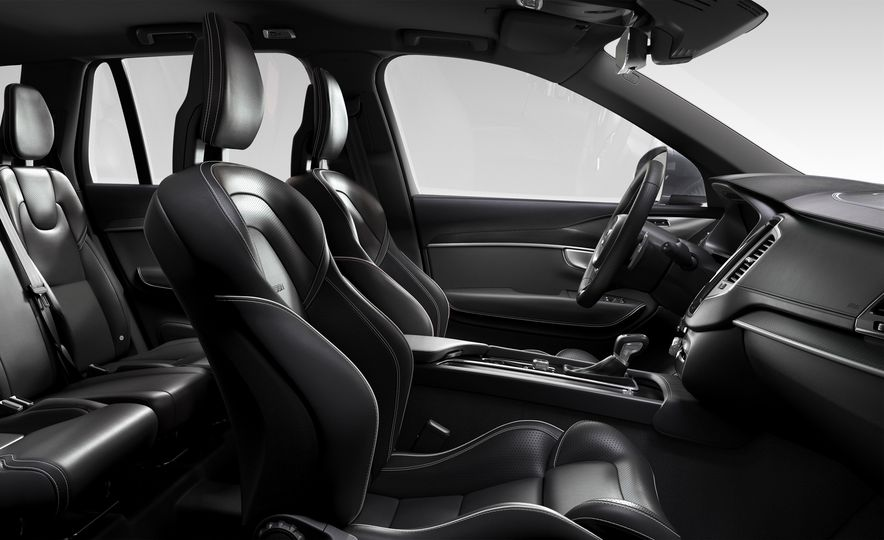 2016 Volvo XC90 T6 R-Design - Slide 16