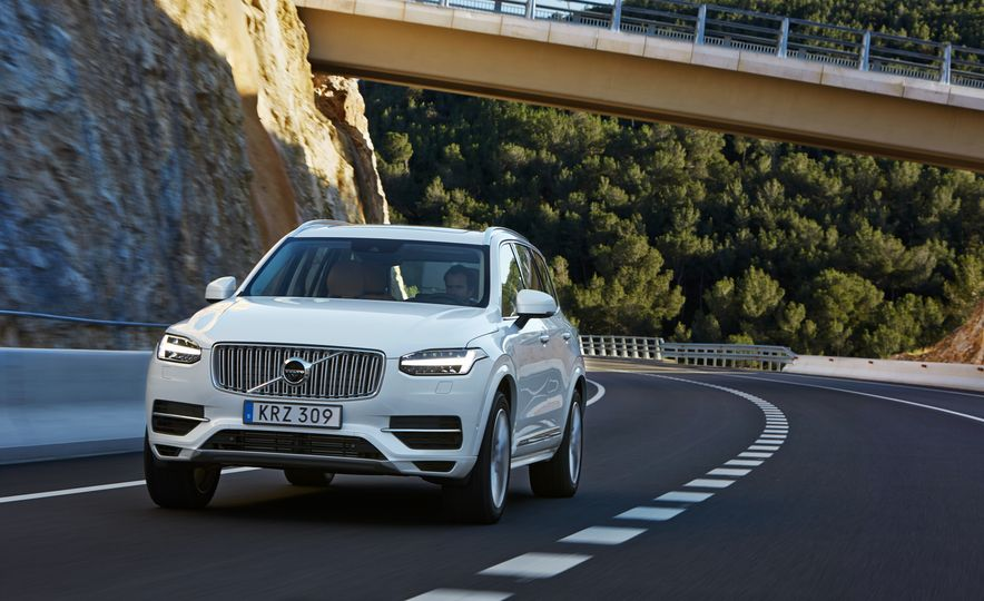 2016 Volvo XC90 D5 (Euro-spec) and T6 - Slide 107