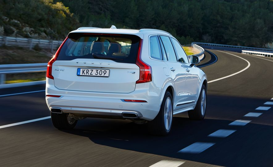 2016 Volvo XC90 D5 (Euro-spec) and T6 - Slide 111