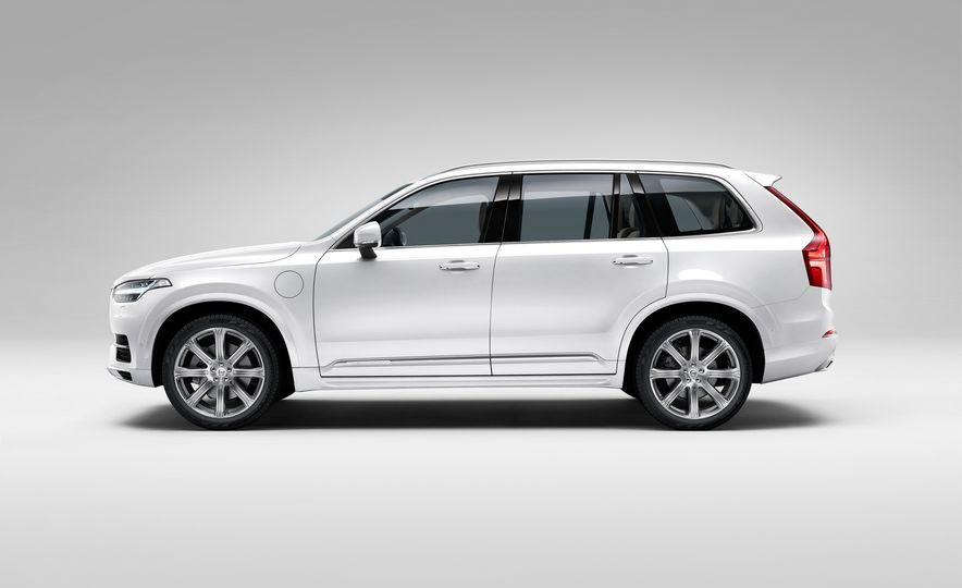 2016 Volvo XC90 D5 (Euro-spec) and T6 - Slide 115