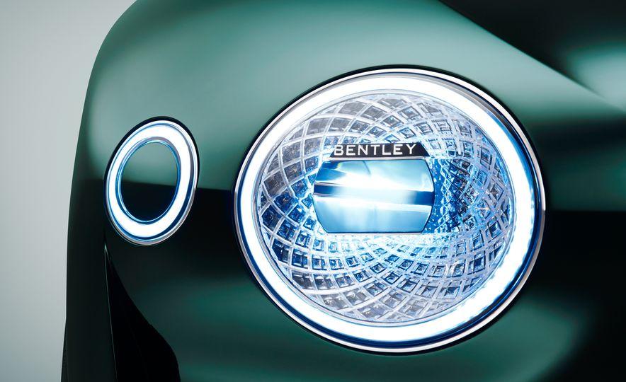 Bentley EXP 10 Speed 6 concept - Slide 35