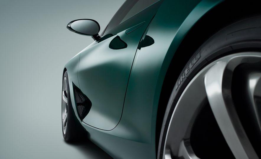 Bentley EXP 10 Speed 6 concept - Slide 37