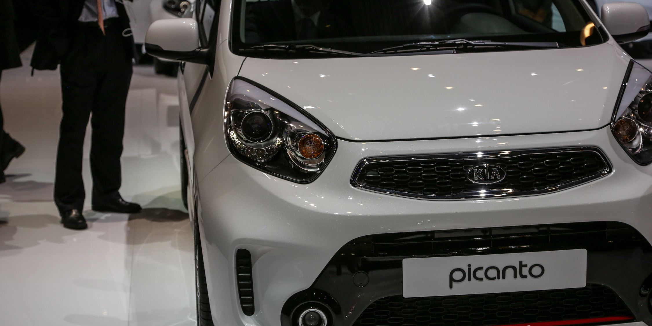 Kia-ping It Small: Kia Shows New Cee'd GT Line and Picanto