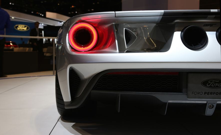 Silver Fox: The New Ford GT Looks Damn Good in Silver and Racing Stripes - Slide 13