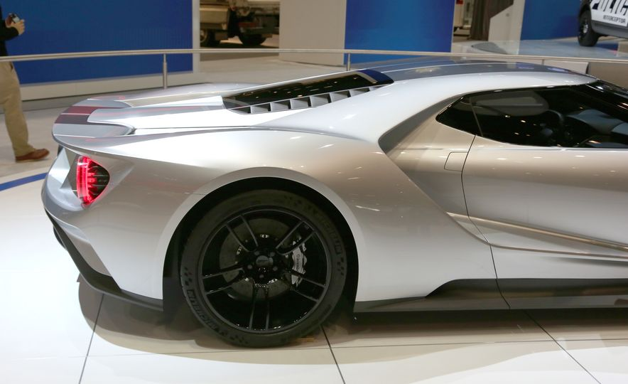 Silver Fox: The New Ford GT Looks Damn Good in Silver and Racing Stripes - Slide 6