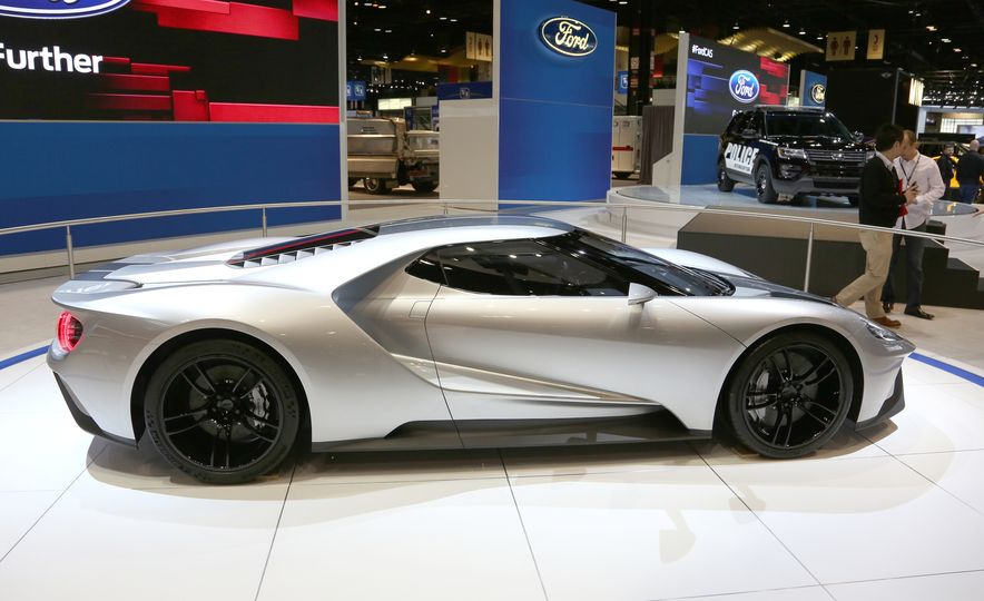 Silver Fox: The New Ford GT Looks Damn Good in Silver and Racing Stripes - Slide 5