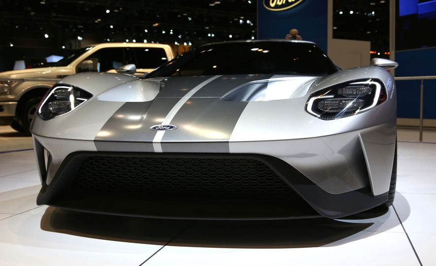 Silver Fox: The New Ford GT Looks Damn Good in Silver and Racing Stripes - Slide 16