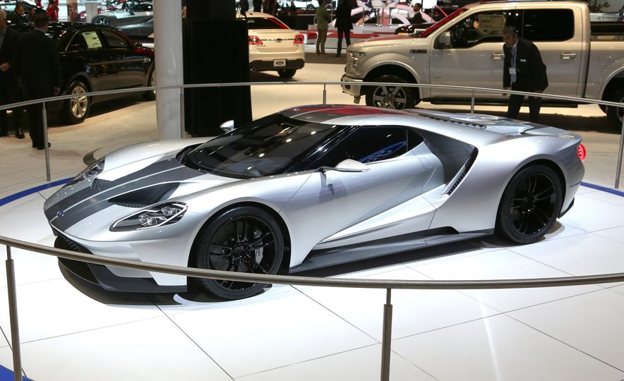 Silver Fox: The New Ford GT Looks Damn Good in Silver and Racing Stripes - Slide 23