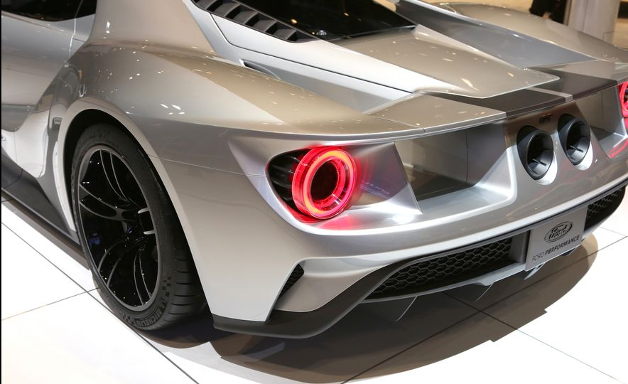 Silver Fox: The New Ford GT Looks Damn Good in Silver and Racing Stripes - Slide 10
