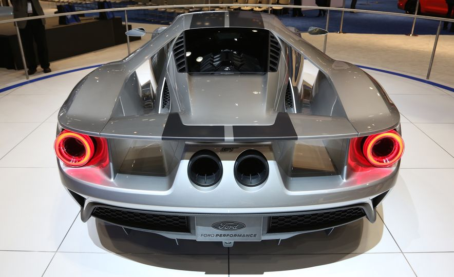 Silver Fox: The New Ford GT Looks Damn Good in Silver and Racing Stripes - Slide 11