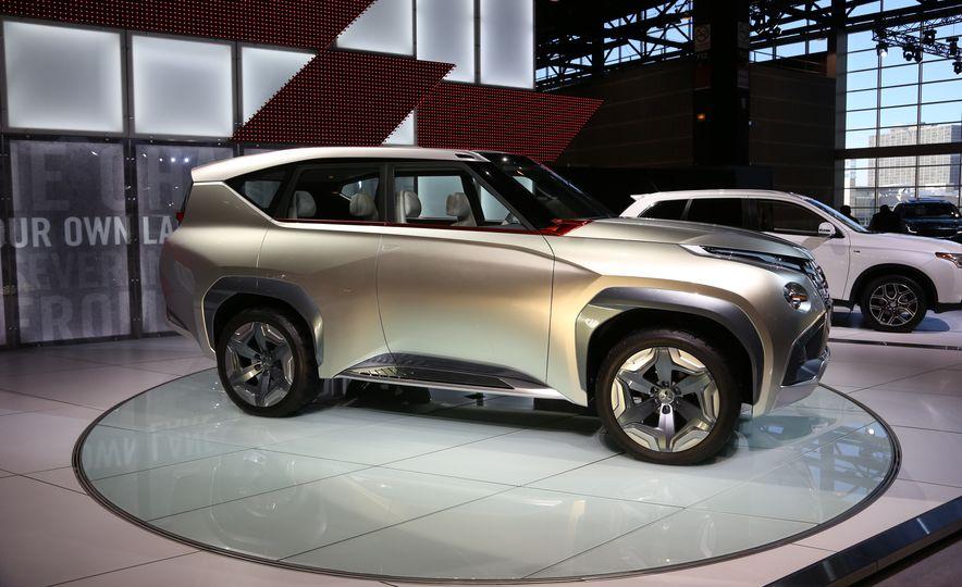 Mitsubishi GC-PHEV concept - Slide 6