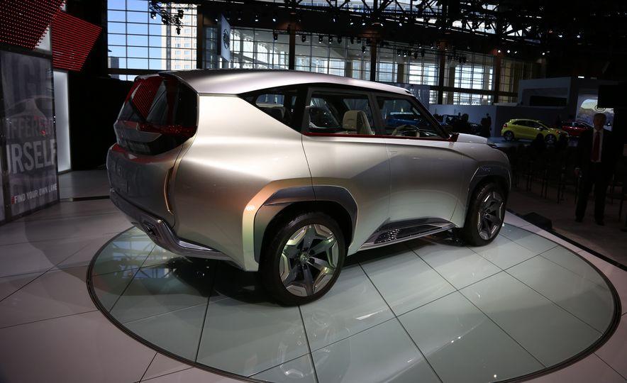 Mitsubishi GC-PHEV concept - Slide 7