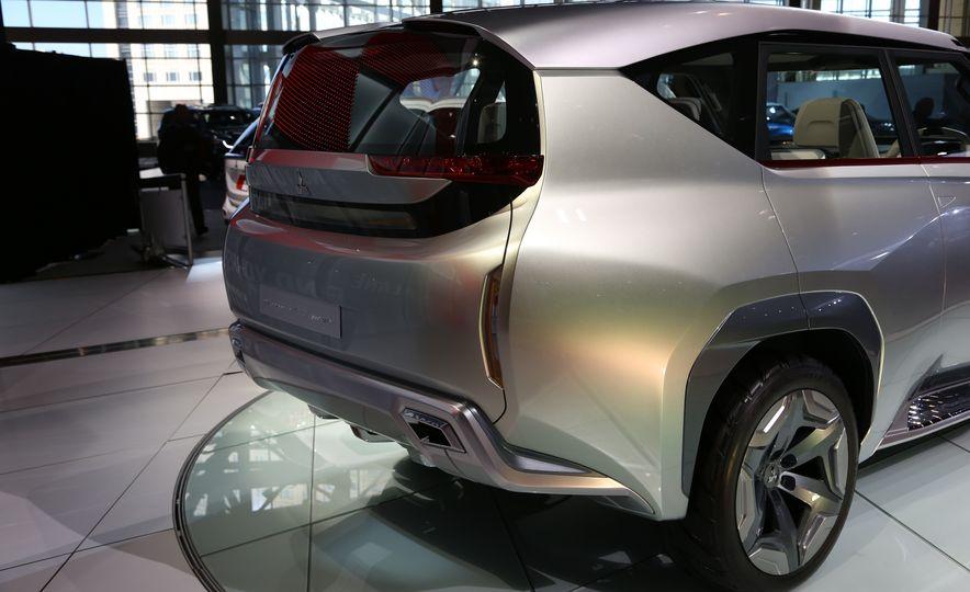 Mitsubishi GC-PHEV concept - Slide 13