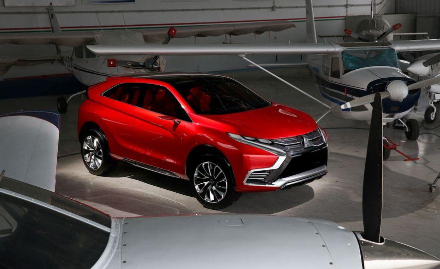 Mitsubishi XR-PHEV II concept - Slide 2