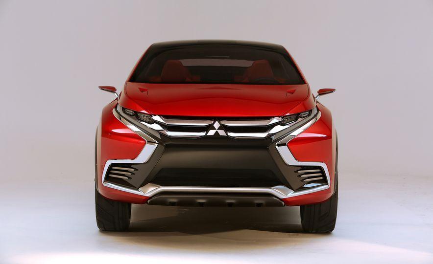 Mitsubishi XR-PHEV II concept - Slide 15