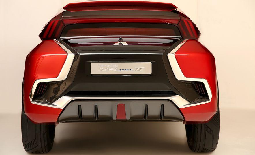 Mitsubishi XR-PHEV II concept - Slide 19