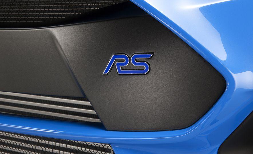 2016 Ford Focus RS - Slide 21