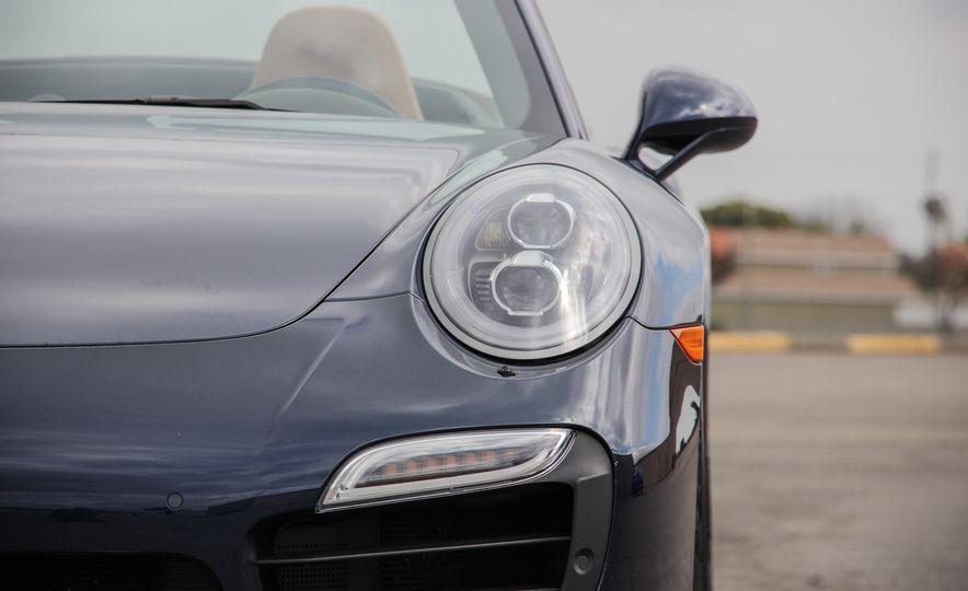 2014 Porsche 911 Turbo S cabriolet - Slide 21