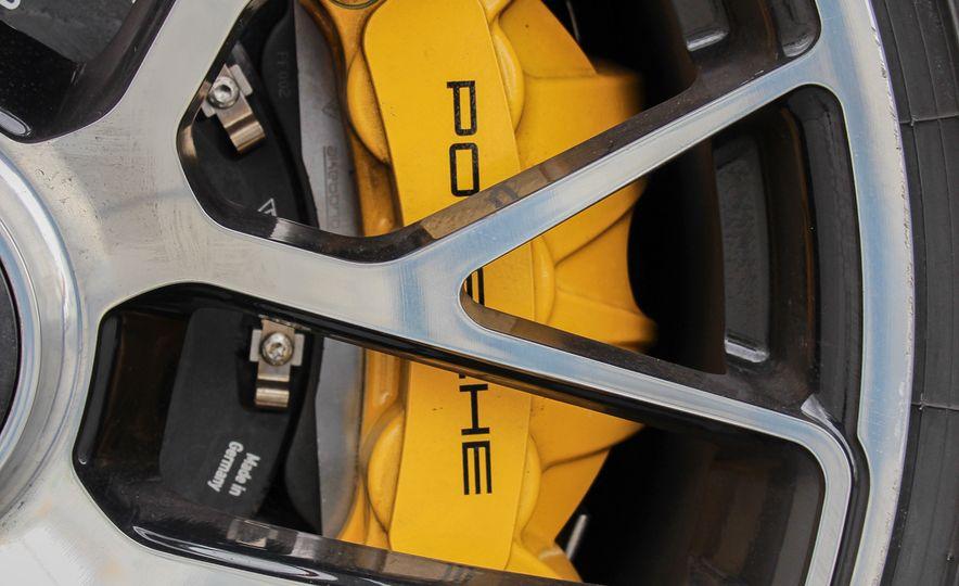 2014 Porsche 911 Turbo S cabriolet - Slide 33