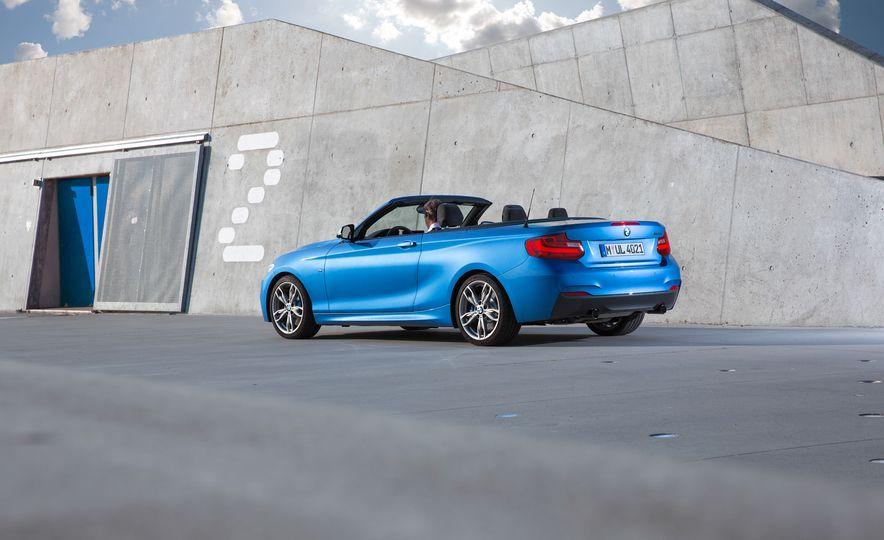 2015 BMW M235i convertible - Slide 18