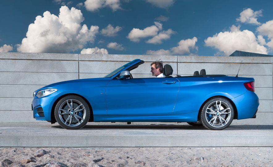 2015 BMW M235i convertible - Slide 19
