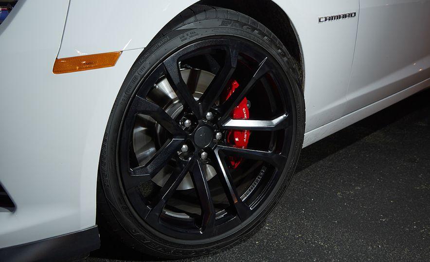 2015 Chevrolet Camaro SS 1LE - Slide 10