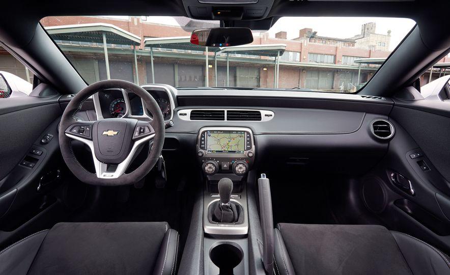 2015 Chevrolet Camaro SS 1LE - Slide 14