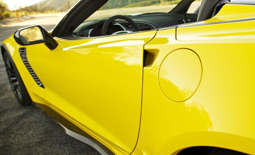 2015 Chevrolet Corvette Z06 convertible - Slide 36