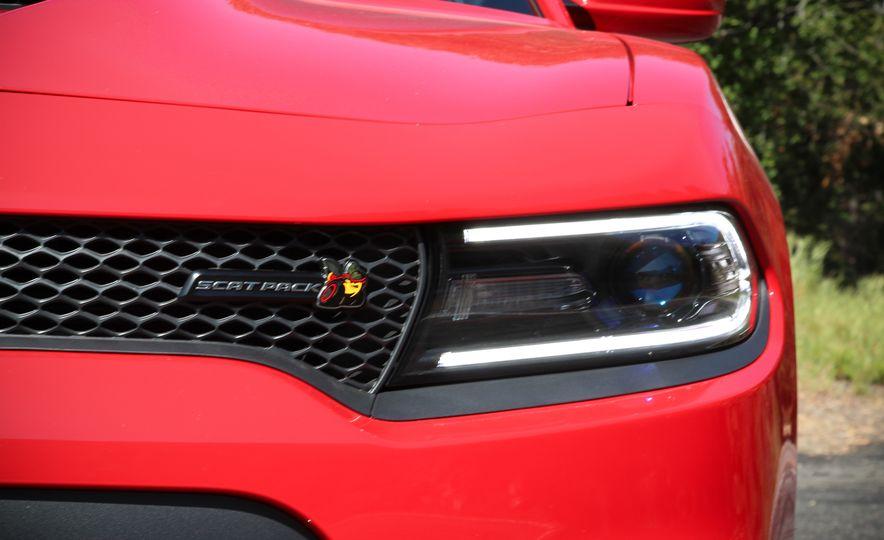 2015 Dodge Charger R/T Scat Packs - Slide 10