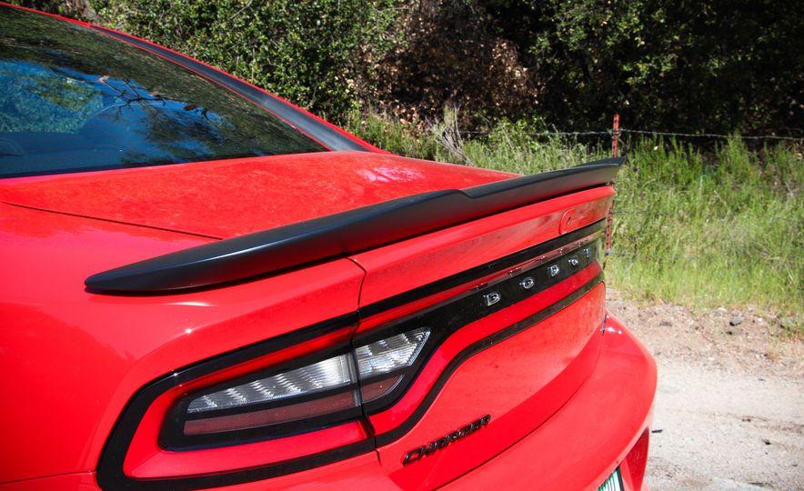 2015 Dodge Charger R/T Scat Packs - Slide 13