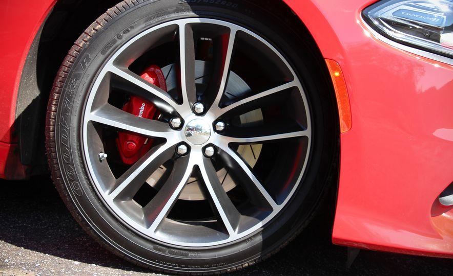 2015 Dodge Charger R/T Scat Packs - Slide 15