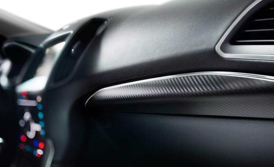 2015 Ford Edge Sport 2.7L EcoBoost and Edge Titanium - Slide 18