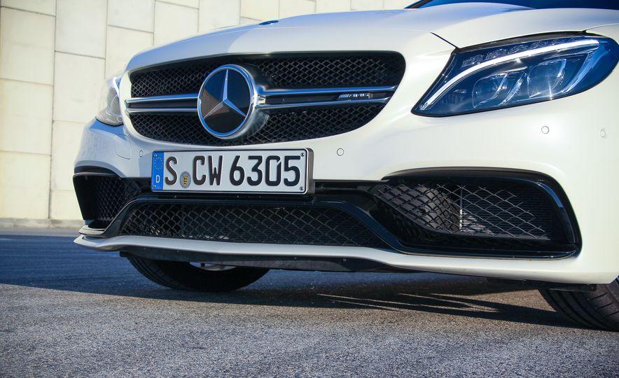 2015 Mercedes-AMG C63 - Slide 9