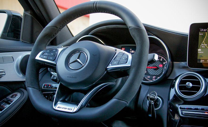 2015 Mercedes-AMG C63 - Slide 23