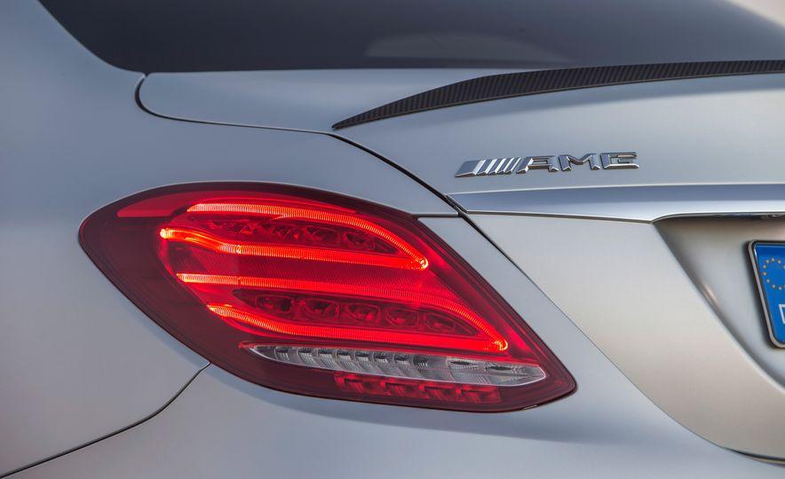 2015 Mercedes-AMG C63 - Slide 89