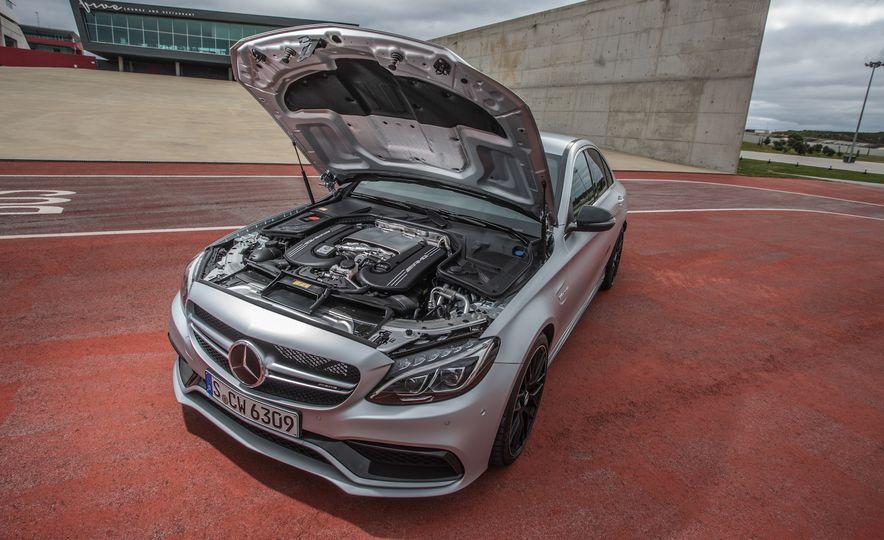 2015 Mercedes-AMG C63 - Slide 99