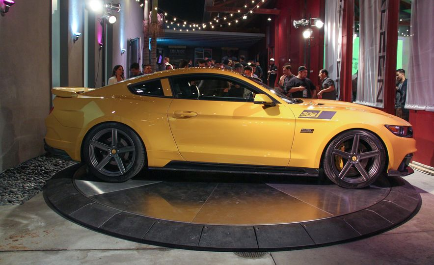 2015 Saleen Mustang S302 Black Label - Slide 9