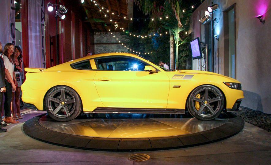 2015 Saleen Mustang S302 Black Label - Slide 10