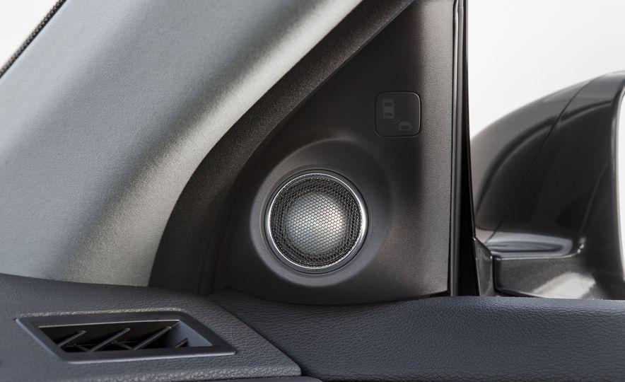 2016 Acura RLX - Slide 37