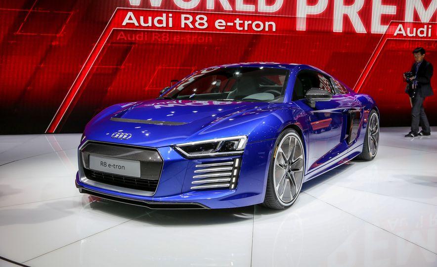 2016 Audi R8 e-tron - Slide 2