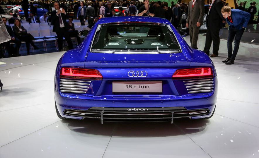 2016 Audi R8 e-tron - Slide 6