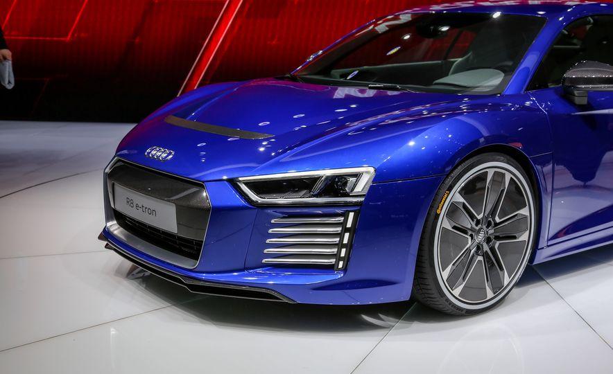 2016 Audi R8 e-tron - Slide 7