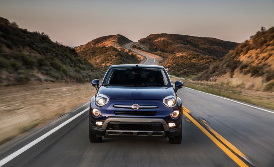 2016 Fiat 500X Trekking Plus and Lounge - Slide 4