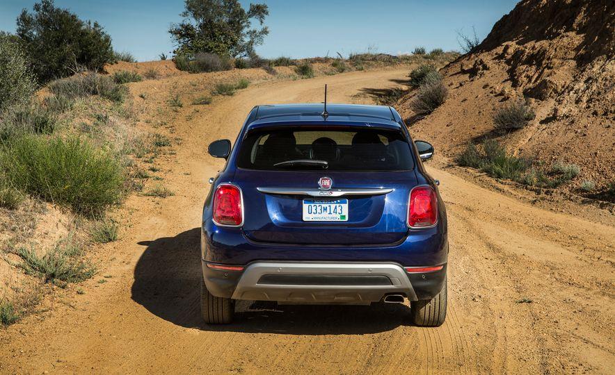 2016 Fiat 500X Trekking Plus and Lounge - Slide 9