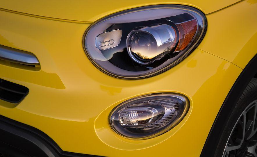 2016 Fiat 500X Trekking Plus and Lounge - Slide 40
