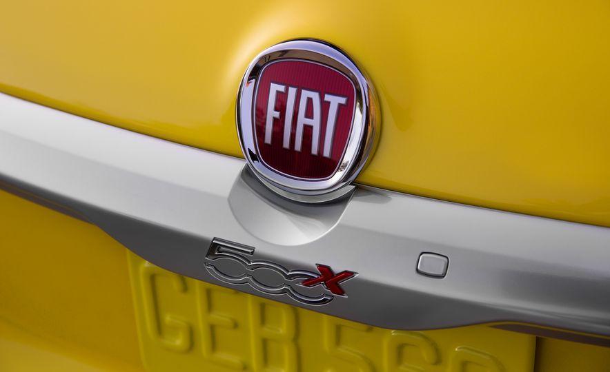 2016 Fiat 500X Trekking Plus and Lounge - Slide 42