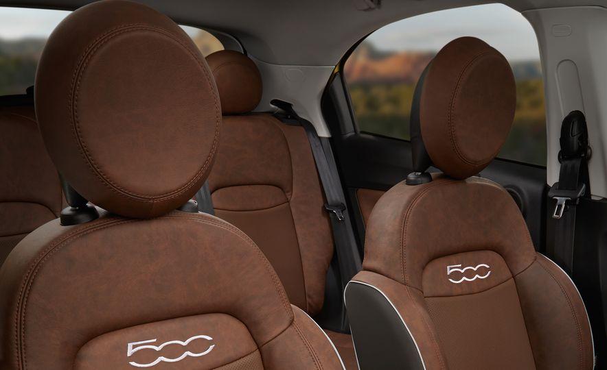 2016 Fiat 500X Trekking Plus and Lounge - Slide 44
