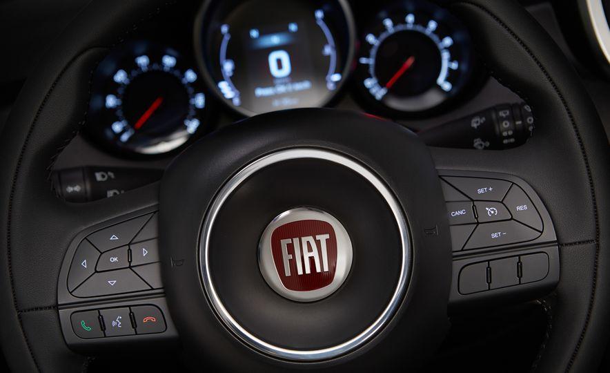 2016 Fiat 500X Trekking Plus and Lounge - Slide 46