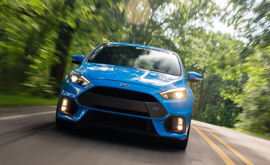2016 Ford Focus RS - Slide 3