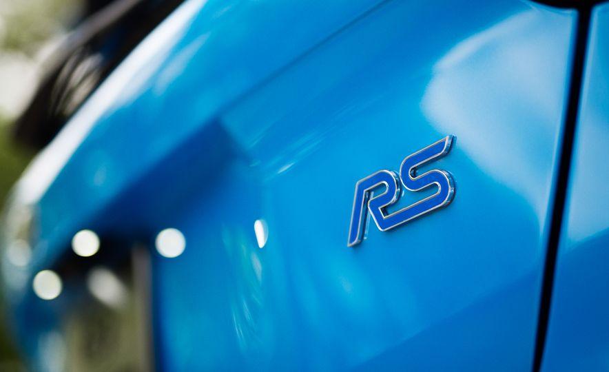 2016 Ford Focus RS - Slide 13